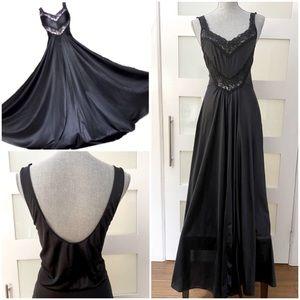 Vtg Black Full Skirt Nightgown